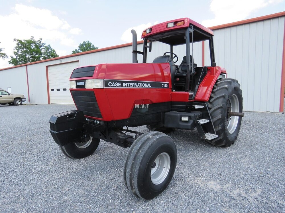 1988 CaseIH 7140 with factory 4 post structure.jpg