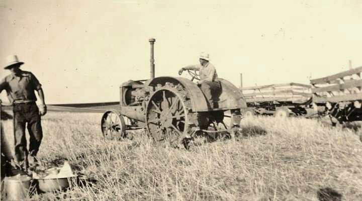 10-20 IHC McCormick-Deering threshing on Ernest Hehn farm,  Gackle, North Dakota.jpg