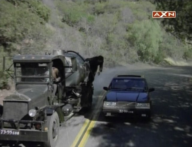 1934 Mack AB in MacGyver car chase 1985-1992.jpg